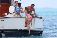 Майлин Класс в бикини на яхте в Канкуне фото #11