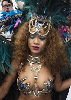 Развратная Рианна на карнавале в Барбадосе фото #2