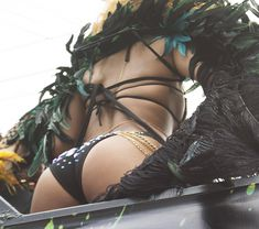 Развратная Рианна на карнавале в Барбадосе фото #10