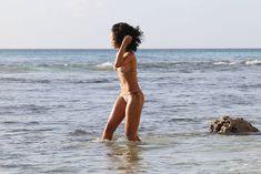 Возбуждающая Рианна в бикини на пляже в Барбадосе фото #39