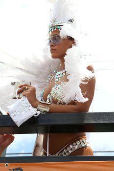 Рианна в откровенном наряде на карнавале в Барбадосе фото #7