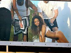 Голая попка Рианны на фотосессии в Голливуде фото #13