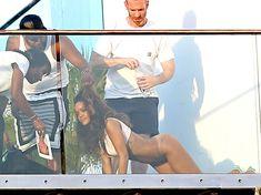 Голая попка Рианны на фотосессии в Голливуде фото #15