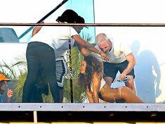 Голая попка Рианны на фотосессии в Голливуде фото #17