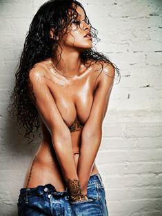 Рианна в откровенной фотосессии для Esquire фото #1