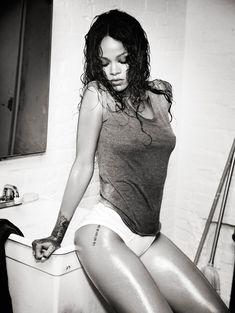 Рианна в откровенной фотосессии для Esquire фото #6
