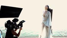 Рианна топлесс на съемке клипа Needed Me фото #7