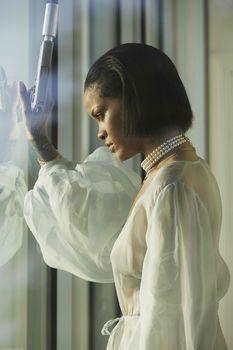 Рианна с голой грудью в фотосессии для клипа Needed Me фото #4