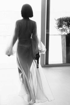 Рианна с голой грудью в фотосессии для клипа Needed Me фото #7