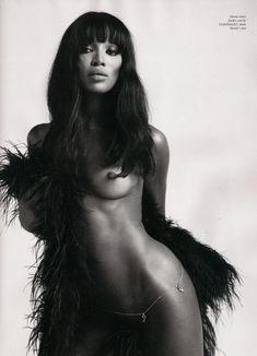 Голое тело Наоми Кэмпбелл в журнале Love фото #3
