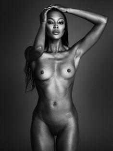 Полностью голая Наоми Кэмпбелл для журнала Interview фото #1