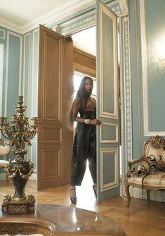 Горячая Наоми Кэмпбелл разделась для журнала Vogue фото #1