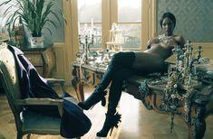 Горячая Наоми Кэмпбелл разделась для журнала Vogue фото #3