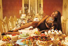 Горячая Наоми Кэмпбелл разделась для журнала Vogue фото #6