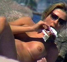 Голая грудь Дженнифер Энистон на пляже в Мексике фото #1