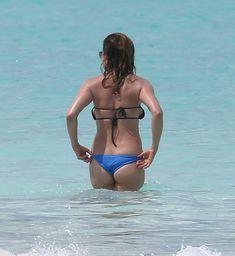 Горячее тело Дженнифер Энистон в бикини на Багамах фото #2