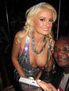 Открытое декольте Холли Мэдисон в клубе Лас-Вегаса фото #3