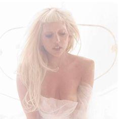 Леди Гага в нежной фотосессии Мариано Виванко фото #2