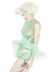 Изящная Леди Гага в фотосессии для журнала Elle фото #2
