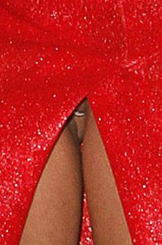 Между ног у Леди Гаги видно голую письку фото #3
