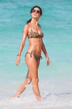 Секси Алессандра Амбросио на съемках для Victoria Secrets фото #3