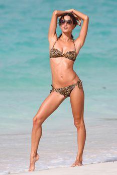 Секси Алессандра Амбросио на съемках для Victoria Secrets фото #5