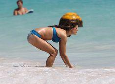 Горячая Алессандра Амбросио в бикини на съемках для Victoria's Secret фото #5