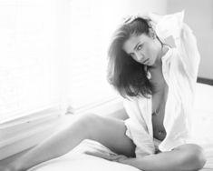 Адриана Лима в эро фотосессии для журнала Esquire фото #2
