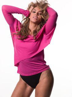 Небритая зона бикини Бейонсе на фотосессии для Glamour фото #2