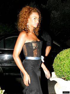 Голый засвет Бейонсе в прозрачном платье фото #2