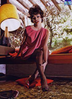 Голая грудь Евы Мендес в журнале Vogue фото #14
