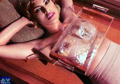 Голая грудь Евы Мендес в журнале Vogue фото #15