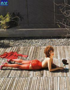 Голая грудь Евы Мендес в журнале Vogue фото #19