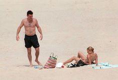 Голая грудь Камерон Диаз на пляже Сен-Барте фото #12