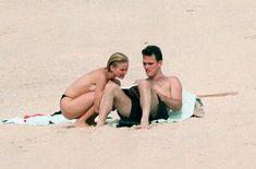 Голая грудь Камерон Диаз на пляже Сен-Барте фото #14