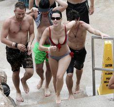 Возбуждающая Кэти Перри в бикини на Мальдивах фото #2