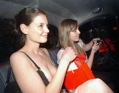 Голый засвет Кэти Холмс в машине фото #1