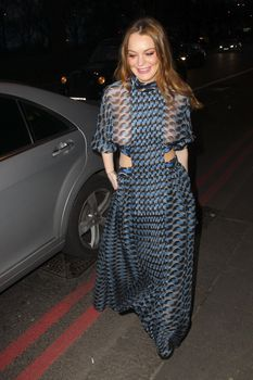 Линдси Лохан в прозрачном платье на премии The Asian Awards фото #2
