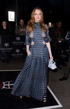 Линдси Лохан в прозрачном платье на премии The Asian Awards фото #13