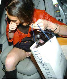Голая писька Линдси Лохан в машине фото #1