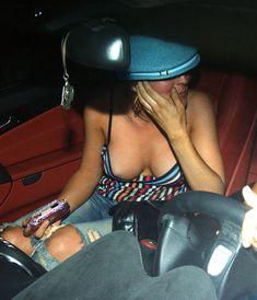 Засвет груди Линдси Лохан фото #1