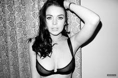 Линдси Лохан в эротической фотосессии Терри Ричардсона фото #2