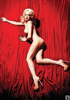 Голая Линдси Лохан в журнале Playboy фото #4