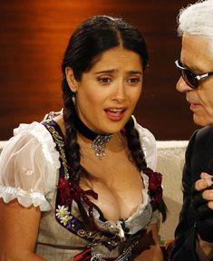 Слишком выпирающая грудь Сальмы Хайек на телешоу Wetten Dass... фото #6