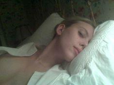 Украденные фото Скарлетт Йоханссон из телефона фото #7