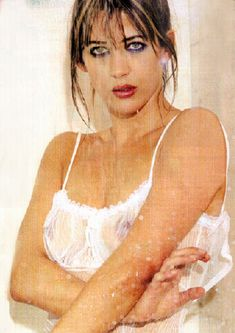Софи Марсо показала голую грудь в журнале Paris Match фото #2