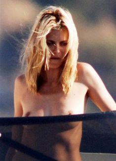 Красотка Хайди Клум без купальника на отдыхе в Понца фото #4