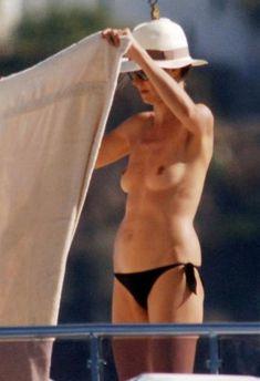 Красотка Хайди Клум без купальника на отдыхе в Понца фото #6