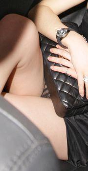 Волосатая писька Эммы Уотсон в машине фото #4