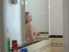 Голая грудь Анджелины Джоли в фильме «Луна пустыни» фото #3